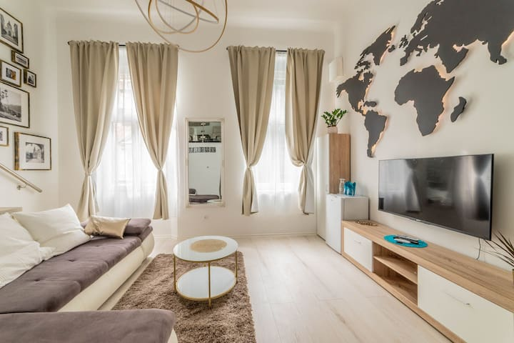 Heart of Budapest Brand New Stylish Apartment AC A