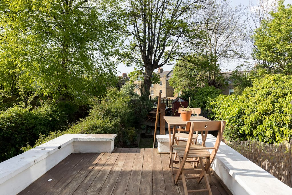 Beautiful garden and decking area