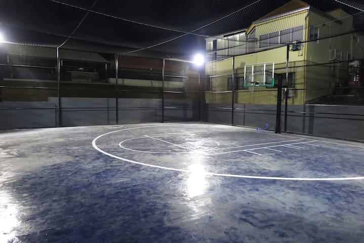 Half court Basket Ball