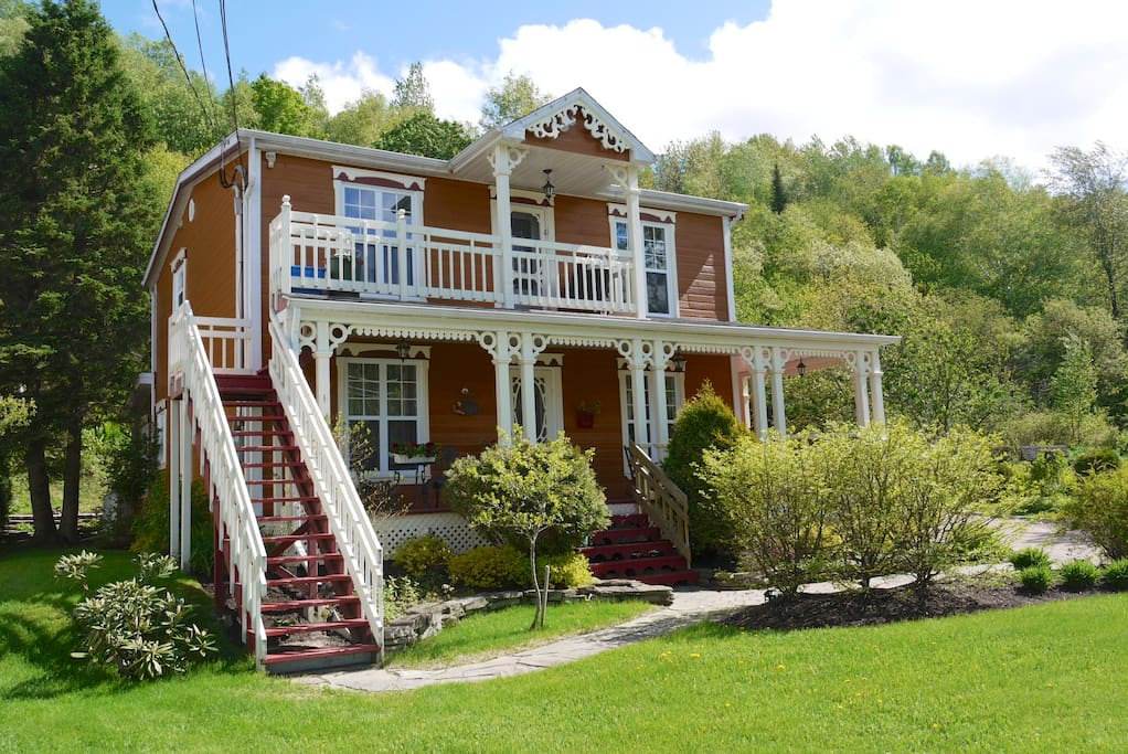 Maison centenaire, logement à l'étage