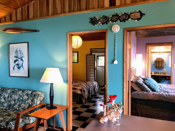 Private Tropical Home: Sunny Wraparound Lanai
