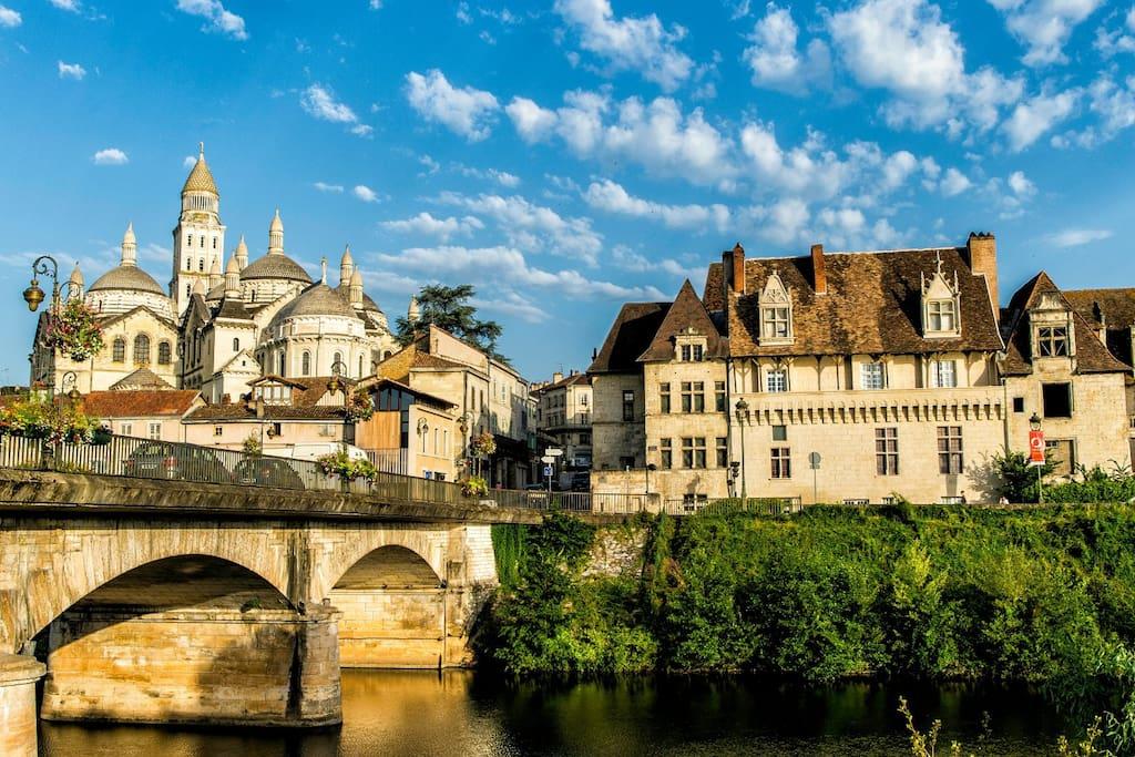 Ville de Périgueux et sa cathédrale Saint-Front