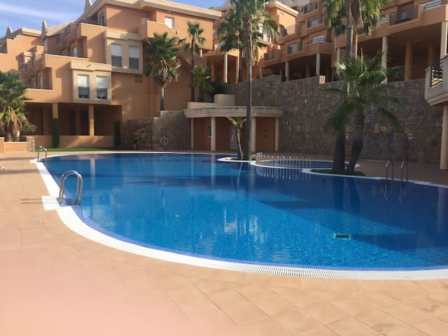 Apartment with large terrace and sea view - Muntanya de la Sella - Appartement
