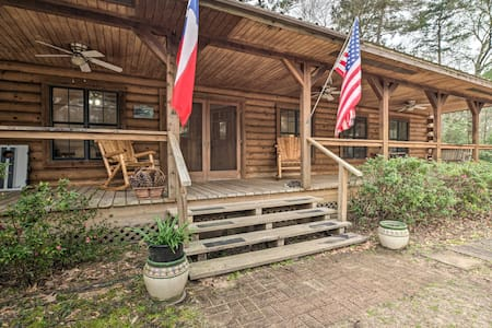 Secluded Texas Getaway w/ 25 Acres & Private Yard