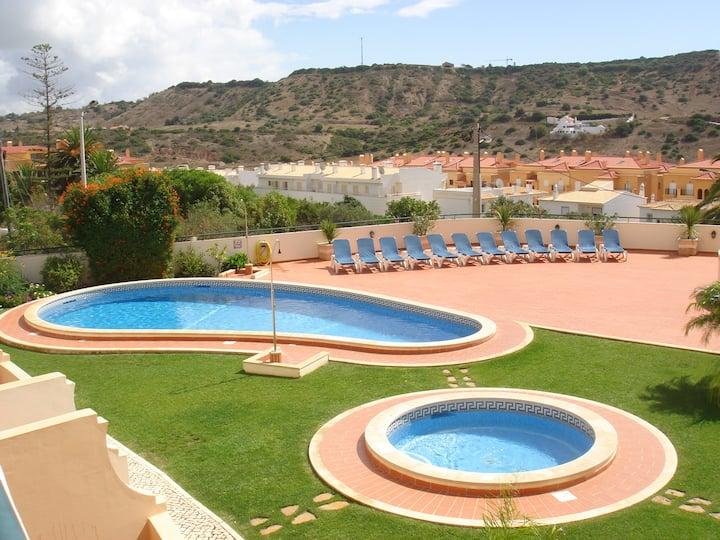 Beautiful Linked Villa in small private complex