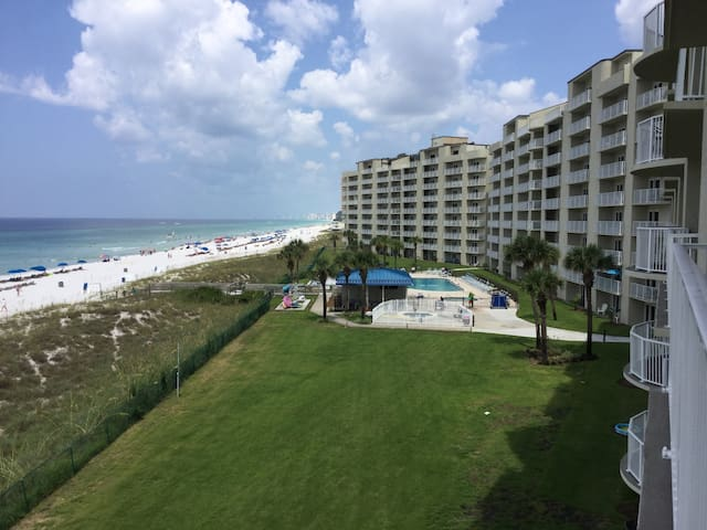 Moonspinner - Beautiful Gulf Front Condo