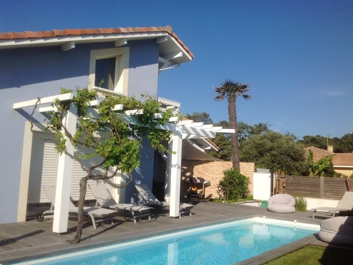 Villa with 4 bedrooms in Capbreton, with wonderful city view, private pool, enclosed garden - 150 m from the beach