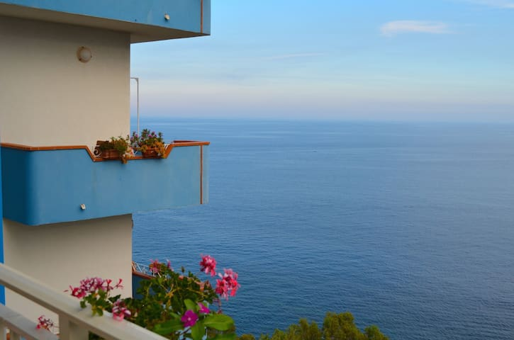 La Scogliera B&B room with sea view - Sant'Alessio Siculo - Overig