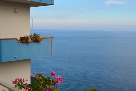 La Scogliera B&B room with sea view - Sant'Alessio Siculo