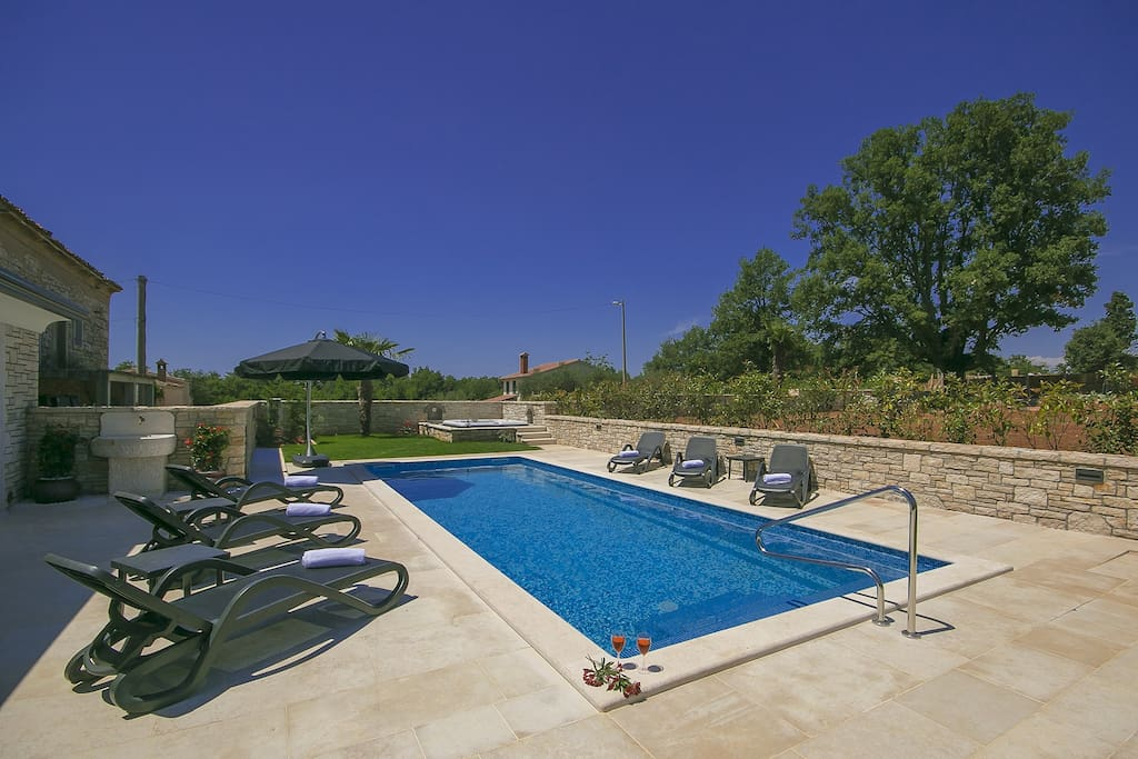 Pool of 40sqm