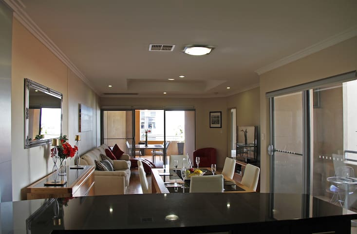 Spacious Executive Apartment - West Perth - Departamento
