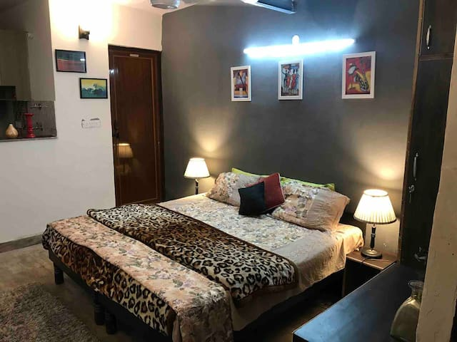 Affordable apartment near airport