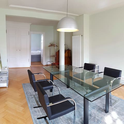 Charming flat in hip & vibrant area - Zürich - Appartement