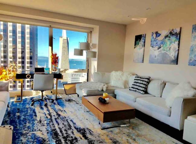 Luxury apt, best corner view in center of Fidi