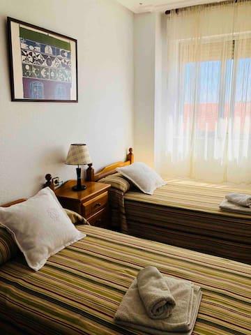 """Dormitorio Doble """"Paloma"""" con dos camas de 90 cms"""