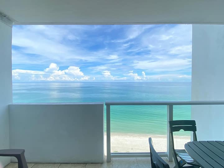 BeachFront-Balcony, Pool&1FreeParking, MiamiBeach!
