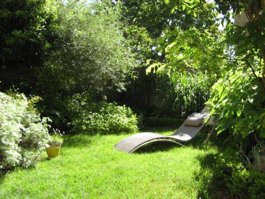 le logis des silenes un espace art et nature holiday homes for rent in savigny l s beaune. Black Bedroom Furniture Sets. Home Design Ideas