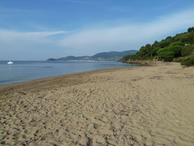 T2 à 900m de la plage accès facile - La Croix-Valmer - 아파트