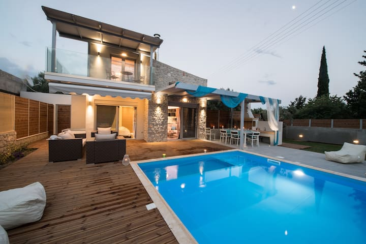 LUXURY VILLAS LEFKAS WITH PRIVATE POOL - Ligia