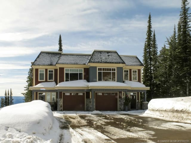 Silver Star Mountain Resort huge ski in&out house - Vernon - Rumah