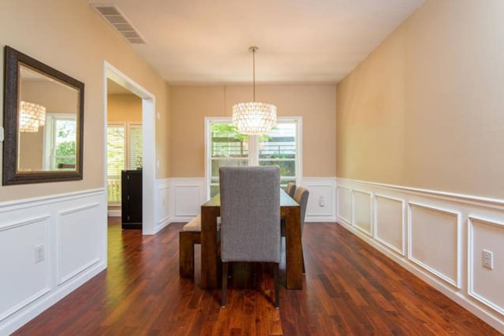 Dining room with seating for 6