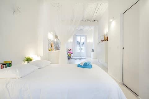 Cosy & luminous studio in the heart of the city