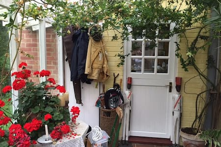 My darling charming quirky Dorset cottage - Melbury Osmond - Дом