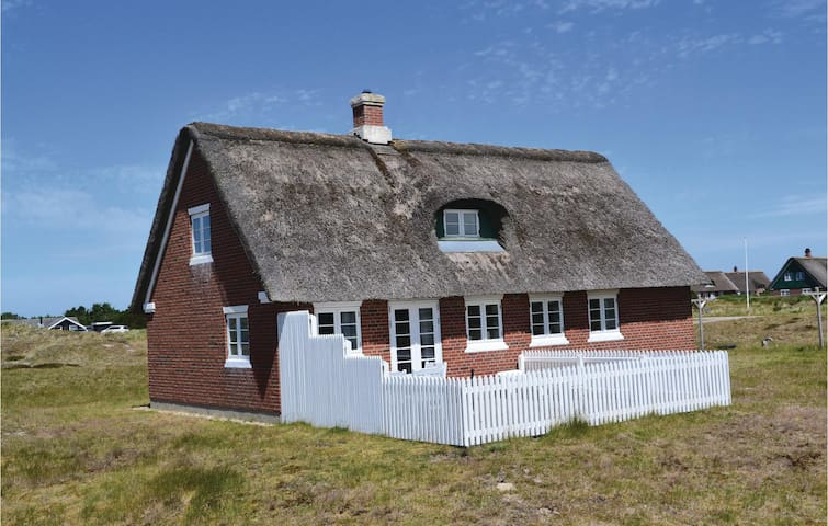 Holiday cottage with 3 bedrooms on 100m² in Fanø