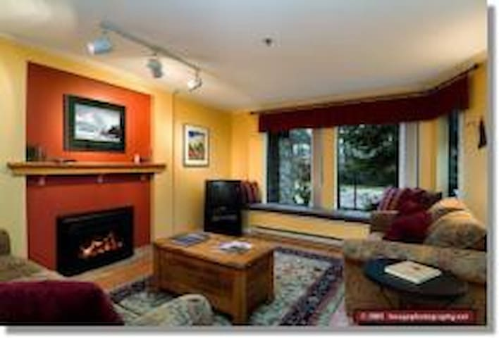 Whistler's Olympic Luxury Mtn Condo