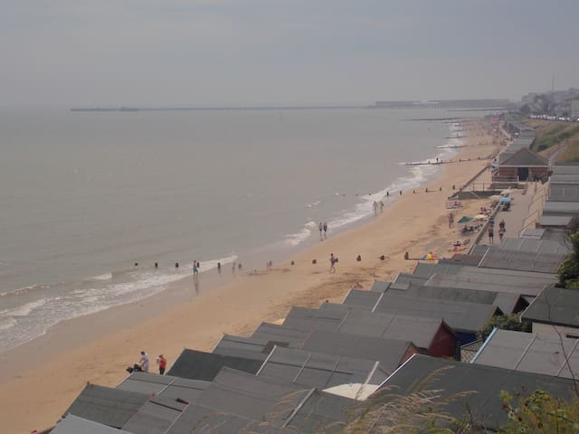 Apartment close to beach and Naze wildlife centre - Walton on the Naze - Huoneisto