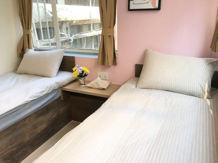 Superior Twin Bed, Private Bathroom 2 Min to MTR