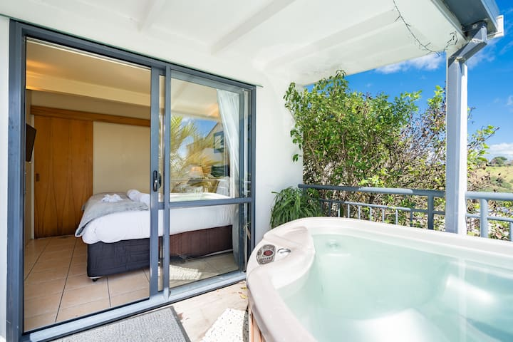 Paradise Palm Beach,HotTub,DbleKayak,SKY,Wifi&Car?