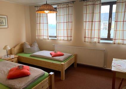 Zweibettzimmer in der Pension zur Kurfürstin