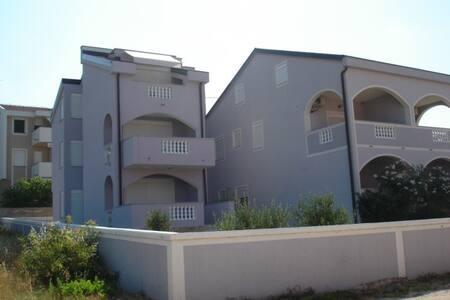 Apartment house Vila Lilla - Ap 4 - Mimose