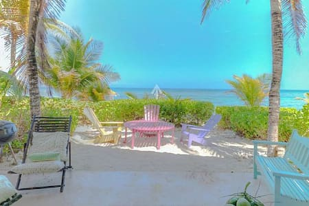 "OCEAN FRONT VILLA ""AZURE FOUR-EVER"", SANDY BEACH - Old Man Bay - Huvila"