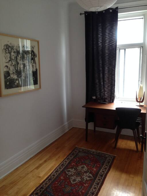 office or second bedroom with double queen mattress (very comfy and luxurious)