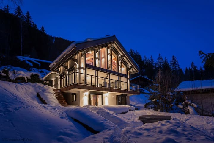 Stay at Chalet La Source  - excellent host 4.6/5 - flexible cancellation