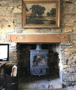 Grade ll Listed Cosy Cotswold Cottage - Naunton - Haus