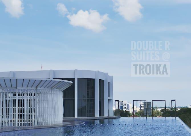 DOUBLE R SUITES @ Troika
