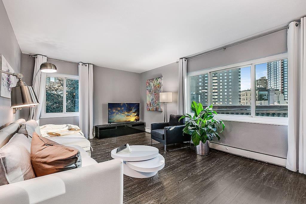 "Livingroom with 55"" 4K ultra HD smart TV"