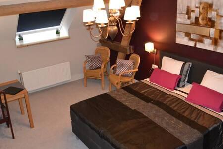 Lavendel room with authentic details - Baarlo - Szoba reggelivel