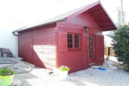 La Petite Maison Rouge à Loguivy de la Mer surGR34