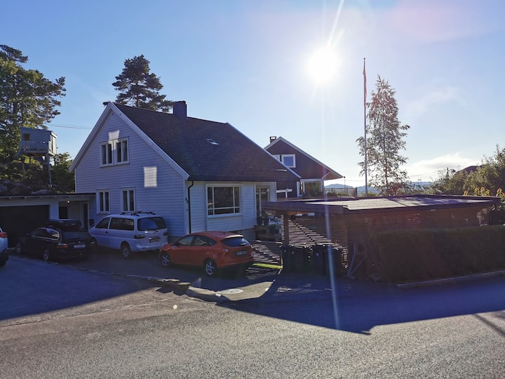Very family friendly house near town/activities