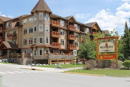 Inviting Rocky Mountain Condo In Top Rated Resort