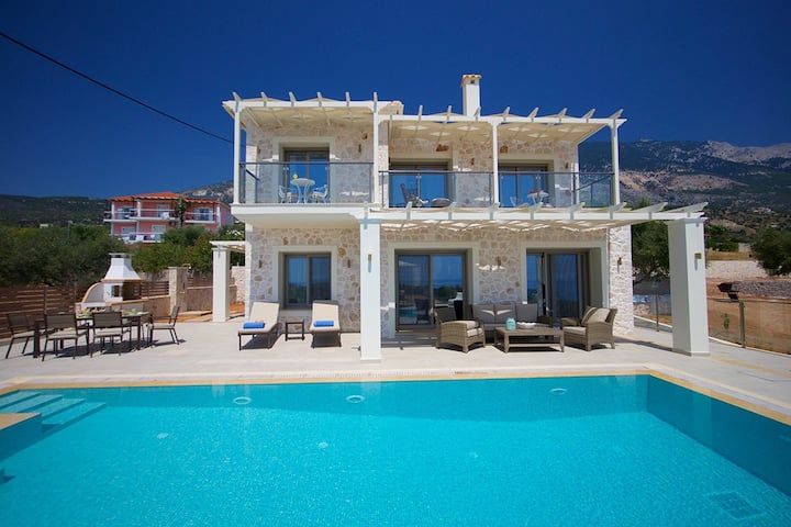 Secluded Luxury Family Villa Ion in Kefalonia