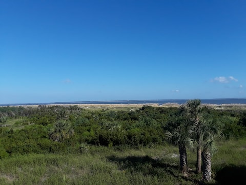 Lighthouse Point Oceanfront Retreat