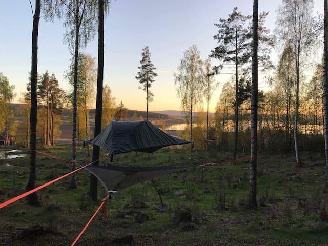 Telt i trærne i Gjesåsen klatrepark