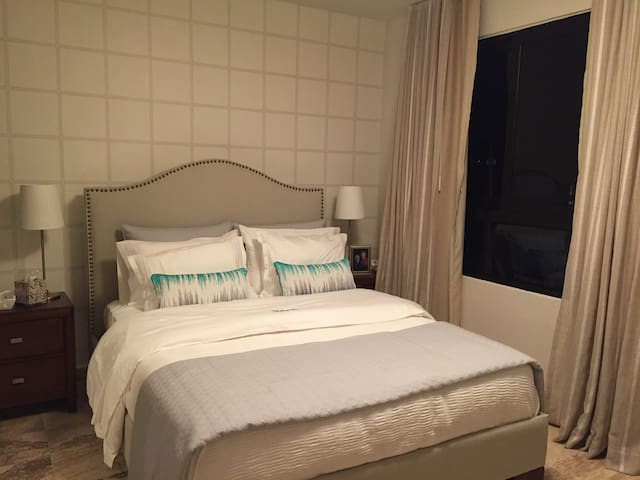 Pool,WiFi,Gym,AC,priv bath, laundry - Santo Domingo - Wohnung