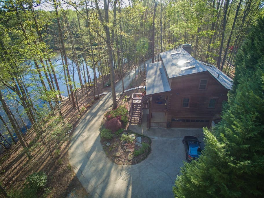 Cozy cabin paradise with lake houses for rent in for Cabins near marietta ga