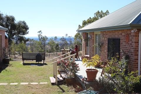 Coorow Guest Cottage - peace, 15 mins. from Mudgee
